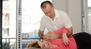 Osteopath Ottawa performing an adjustment